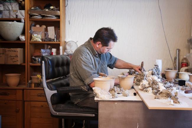 Stef Beckers making Organic Art